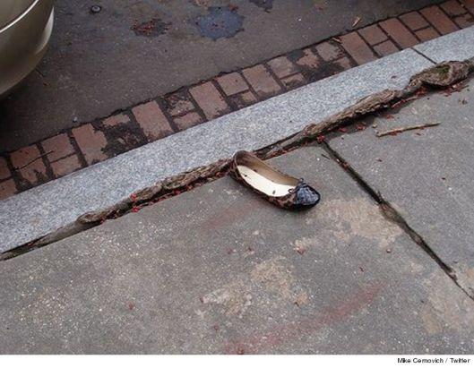 0911-hillary-clinton-shoe-twitter-4